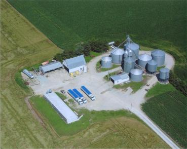 A late-2000s aerial shot of the grain leg.